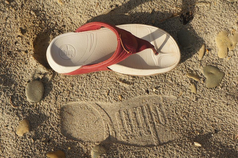 sandalias pies anchos y delicados